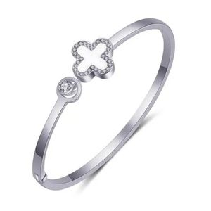 four leaf clover lucky open bangle